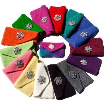 Many colors of clutches